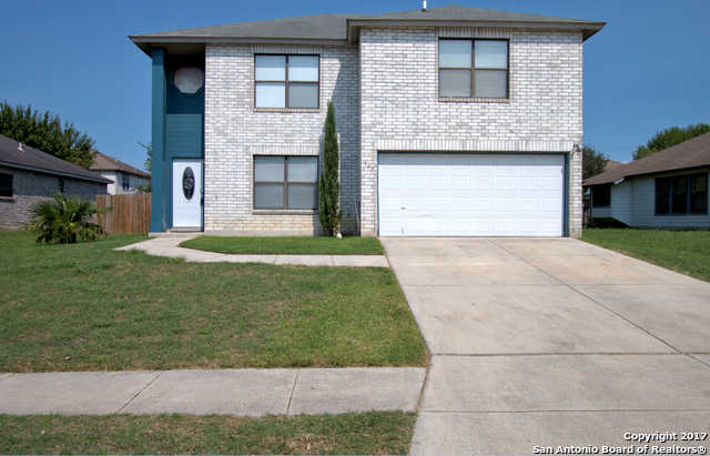 $172,500 - 3Br/3Ba -  for Sale in Stone Gate Unit#3, New Braunfels