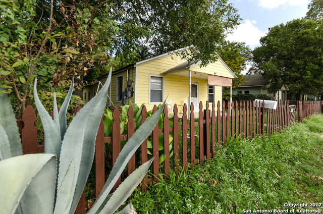 $132,000 - 4Br/1Ba -  for Sale in Milltown, New Braunfels