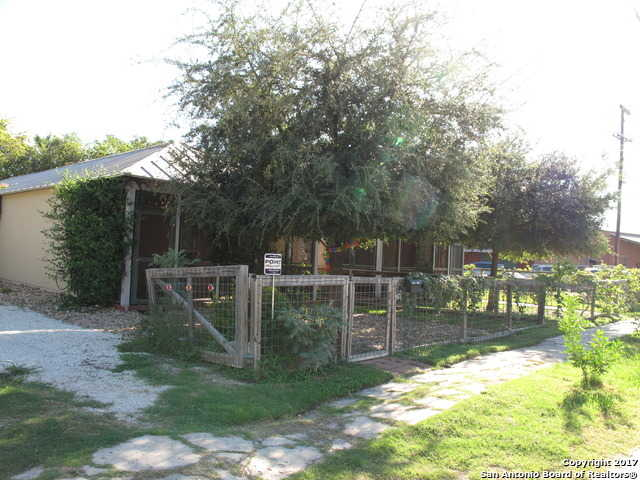 $305,000 - 1Br/2Ba -  for Sale in Lavaca, San Antonio