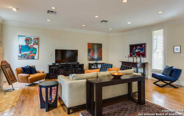 $719,900 - 3Br/3Ba -  for Sale in Elizabeth Place Condos, San Antonio