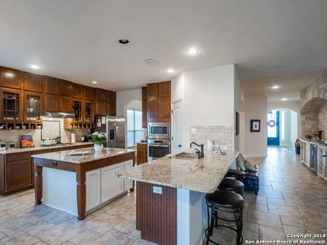 $340,000 - 3Br/3Ba -  for Sale in Heights At Stone Oak, San Antonio