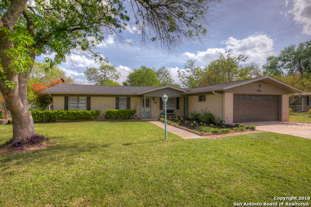$199,900 - 4Br/2Ba -  for Sale in Green Meadows, New Braunfels