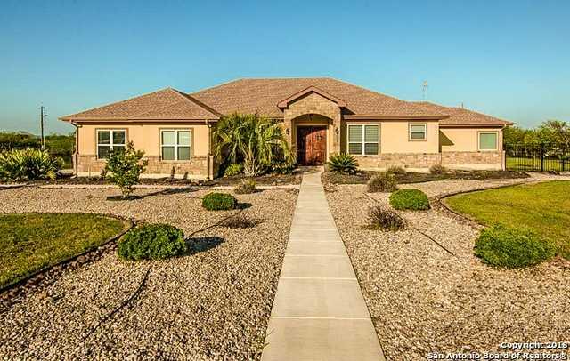 $413,000 - 2Br/3Ba -  for Sale in Mustang Valley Estates, Cibolo