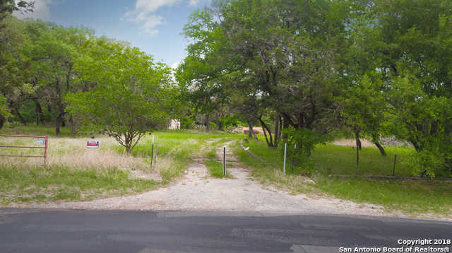 $120,000 - 3Br/1Ba -  for Sale in Helotes Ranch Acres, Helotes