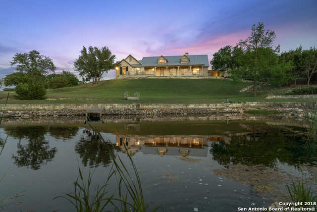 $800,000 - 4Br/4Ba -  for Sale in Lake Country, Boerne