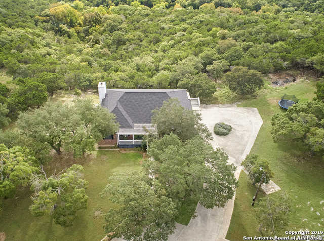 $600,000 - 6Br/4Ba -  for Sale in Deep Hollow, Boerne