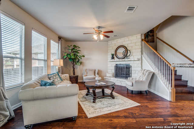 chicago heights big and beautiful singles 471 w 12th st is a house in chicago heights, il 60411 this 1,255 square foot house sits on a 6,538 square foot lot and features 3 bedrooms and 1 bathroom this house has been listed on redfin since june 01, 2018 and is currently priced at $75,000.
