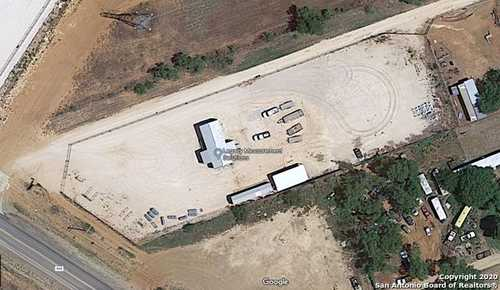 $500,000 - Br/Ba -  for Sale in Cotulla
