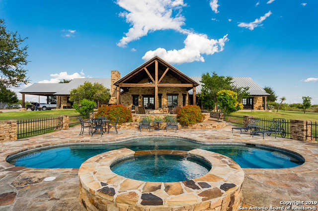 $10,900,000 - 6Br/5Ba -  for Sale in Eagle Pass