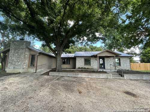 $395,000 - Br/Ba -  for Sale in Kerrville