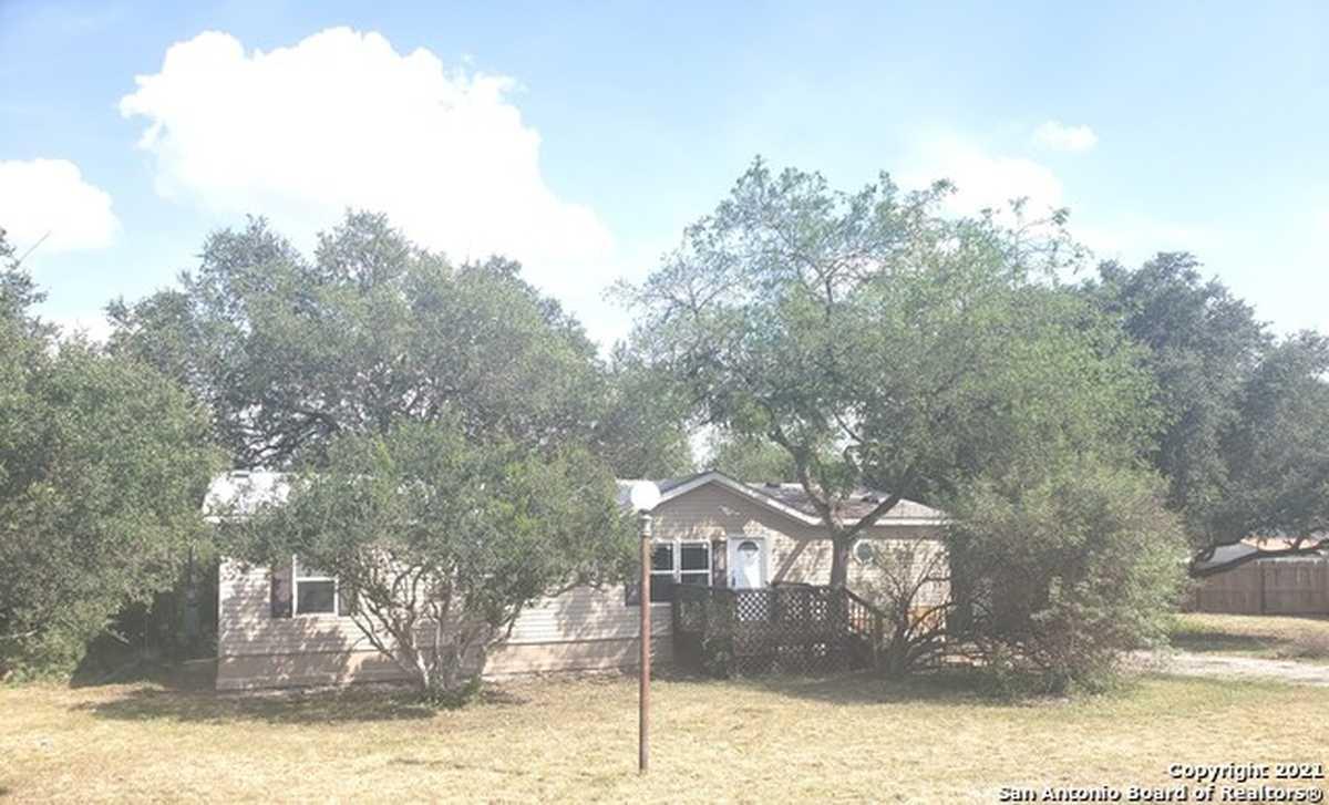 $189,000 - 3Br/2Ba -  for Sale in Legend Oaks, San Antonio