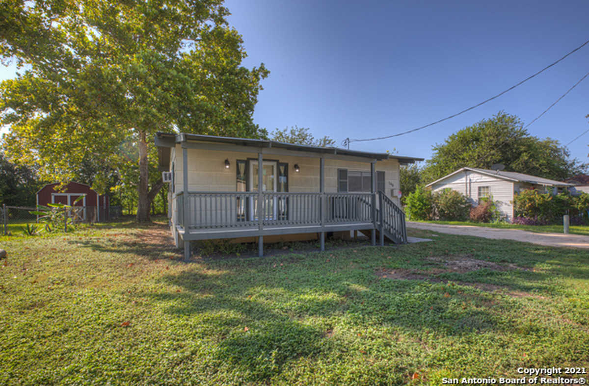$165,000 - 2Br/1Ba -  for Sale in Canyon Heights, New Braunfels