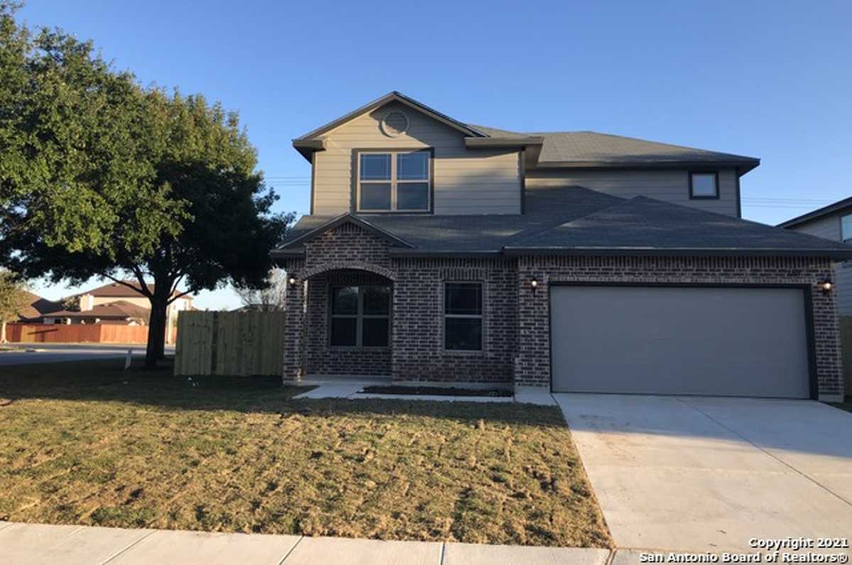 $319,900 - 3Br/3Ba -  for Sale in Wendover Farms, New Braunfels