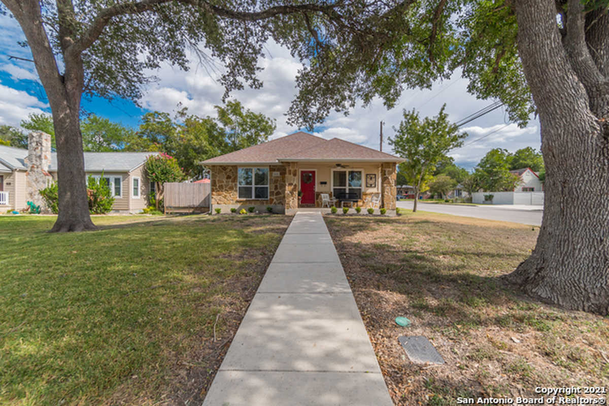 $399,500 - 2Br/2Ba -  for Sale in Hill Crest, New Braunfels
