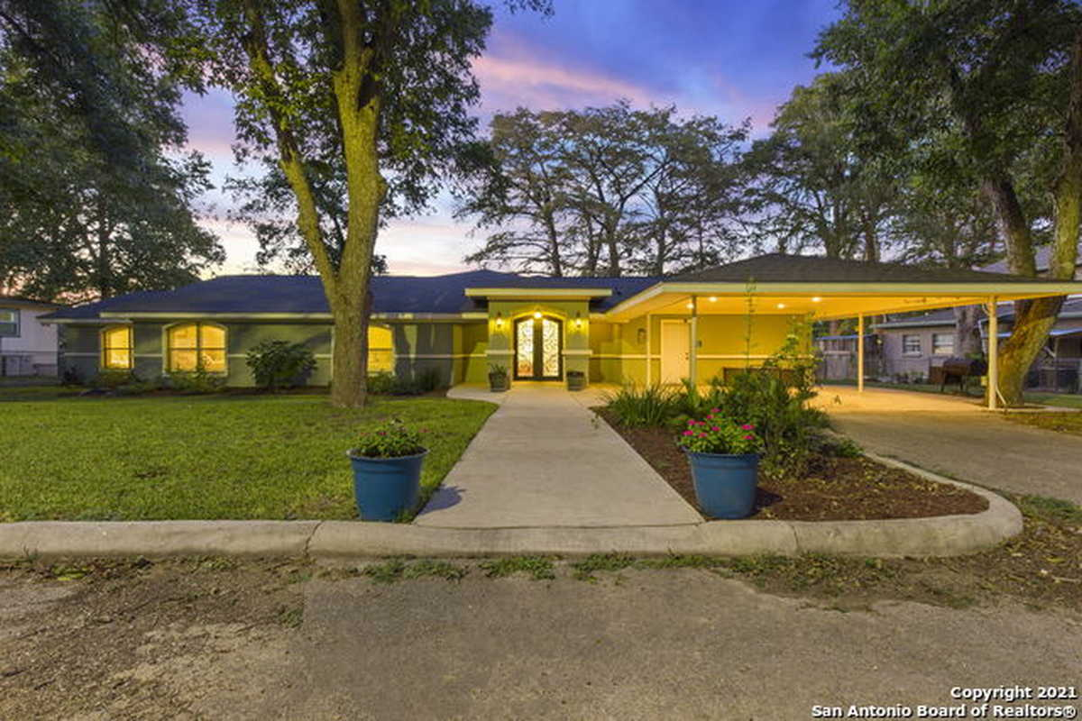 $1,507,000 - 4Br/3Ba -  for Sale in Unknown, New Braunfels