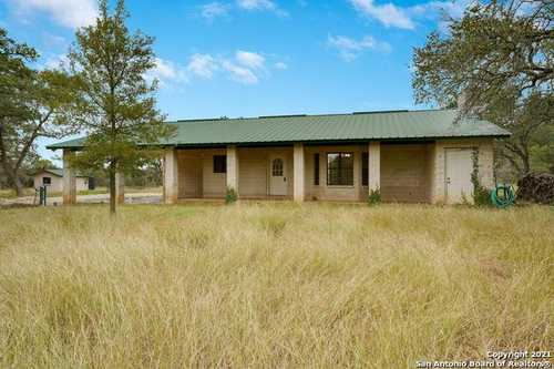 $550,000 - 3Br/2Ba -  for Sale in None, Boerne