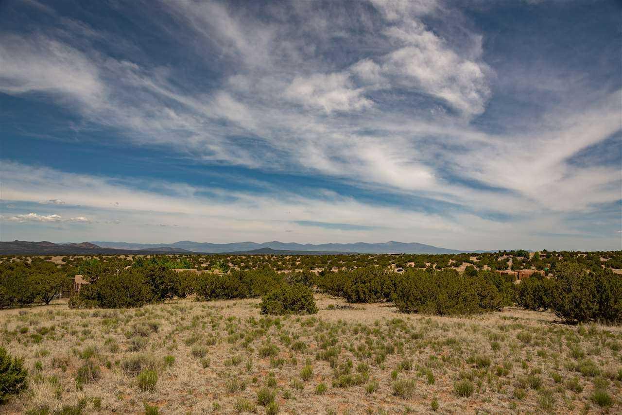 $950,000 - 3Br/4Ba -  for Sale in Tierra De La Vida, Santa Fe