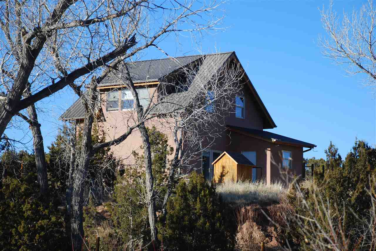 singles in abiquiu Enter through the wisteria covered blue gate into a cozy court yard and quiet, single level home in coveted park plazas this home has been well-maintained and features 2 full bedrooms and an office.