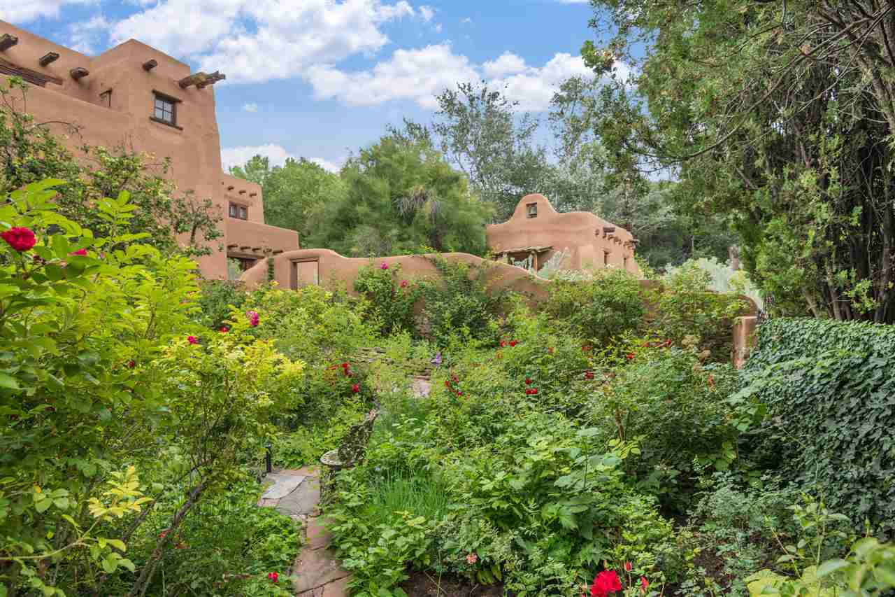 $4,900,000 - 6Br/9Ba -  for Sale in Santa Fe