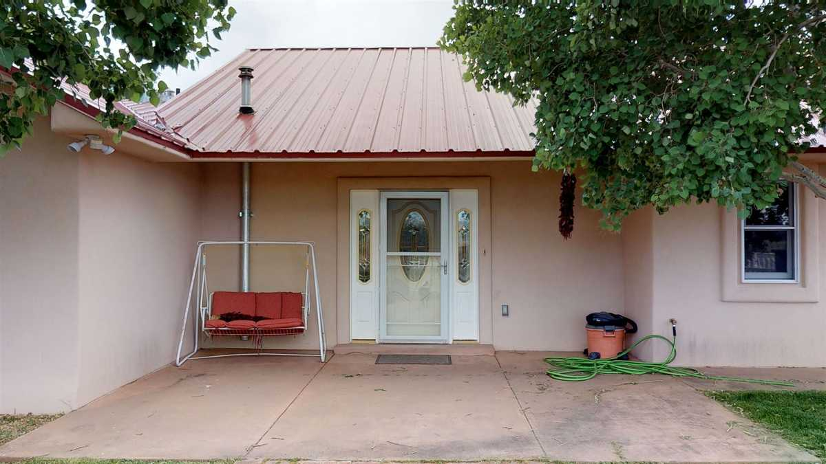$700,000 - 4Br/3Ba -  for Sale in Santa Fe