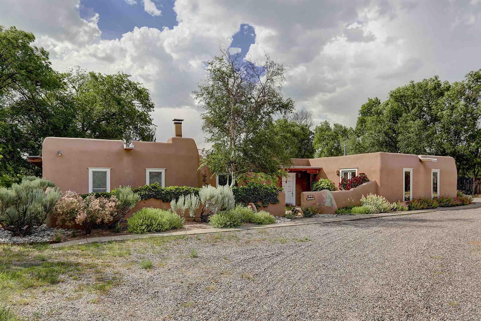 $689,000 - 4Br/3Ba -  for Sale in Santa Fe
