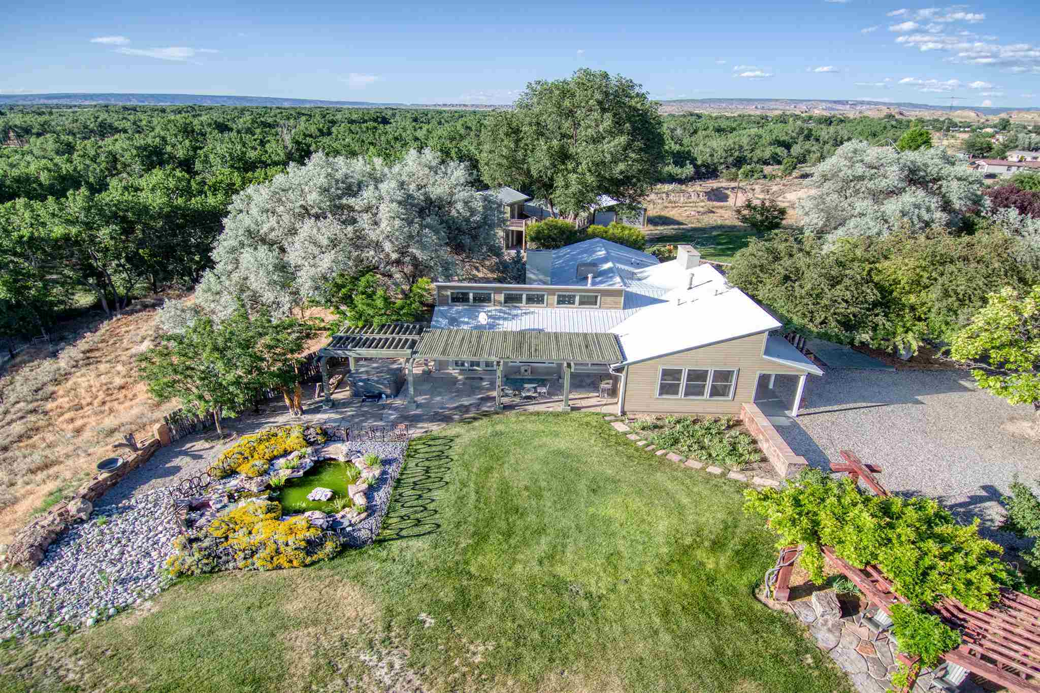 $750,000 - 5Br/5Ba -  for Sale in Espanola
