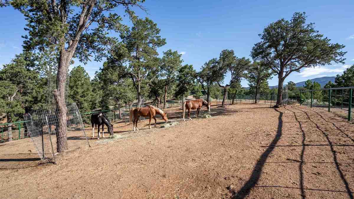 $1,949,000 - 6Br/6Ba -  for Sale in Santa Fe