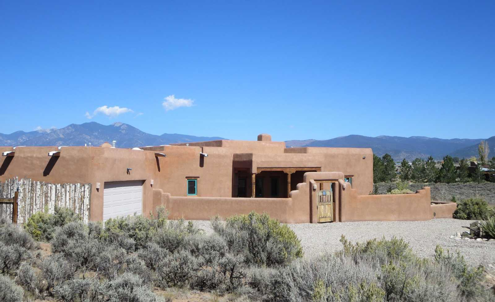 $550,000 - 3Br/3Ba -  for Sale in Taos