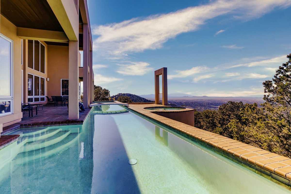 $5,700,000 - 4Br/7Ba -  for Sale in Santa Fe