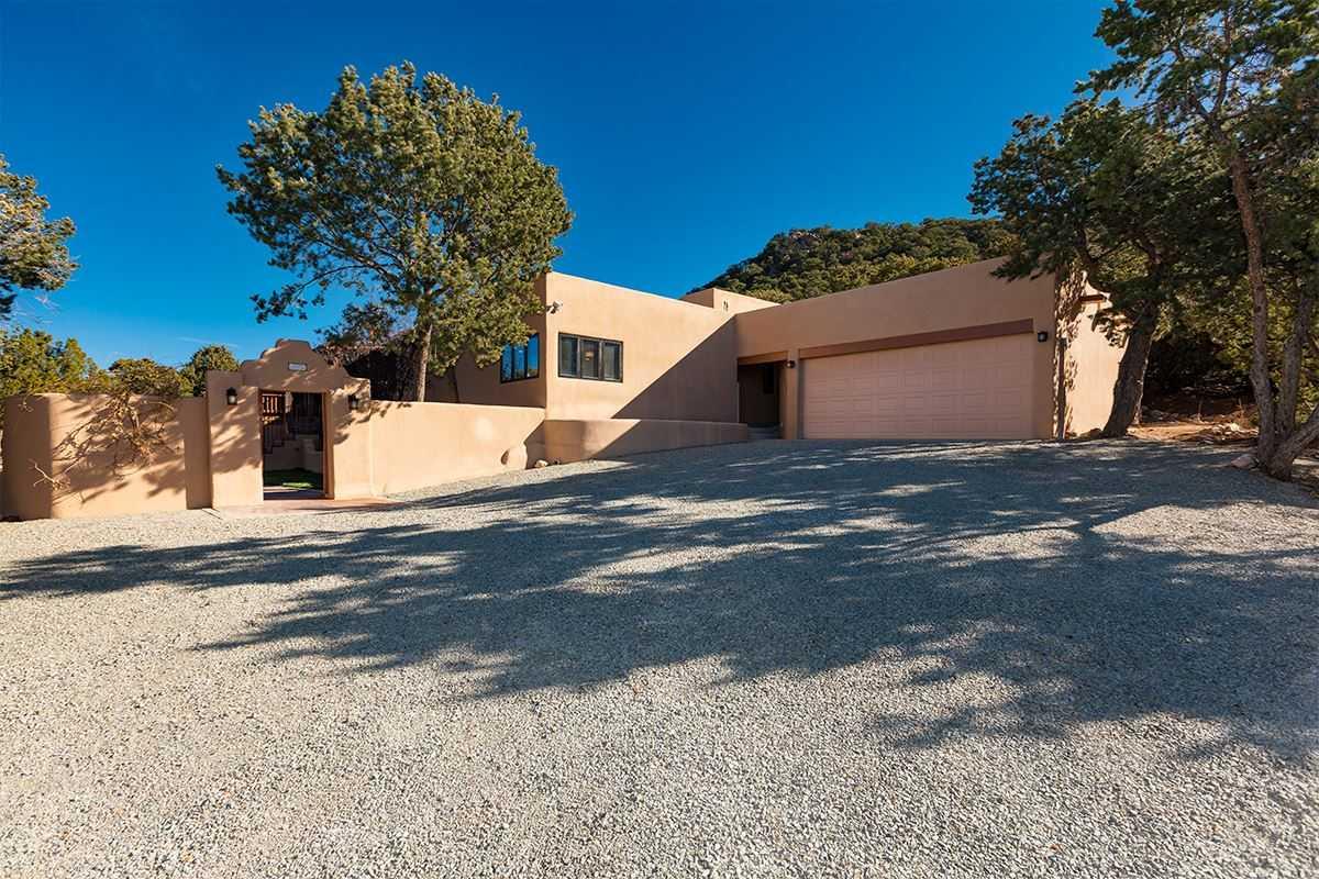 $1,325,000 - 4Br/3Ba -  for Sale in Santa Fe