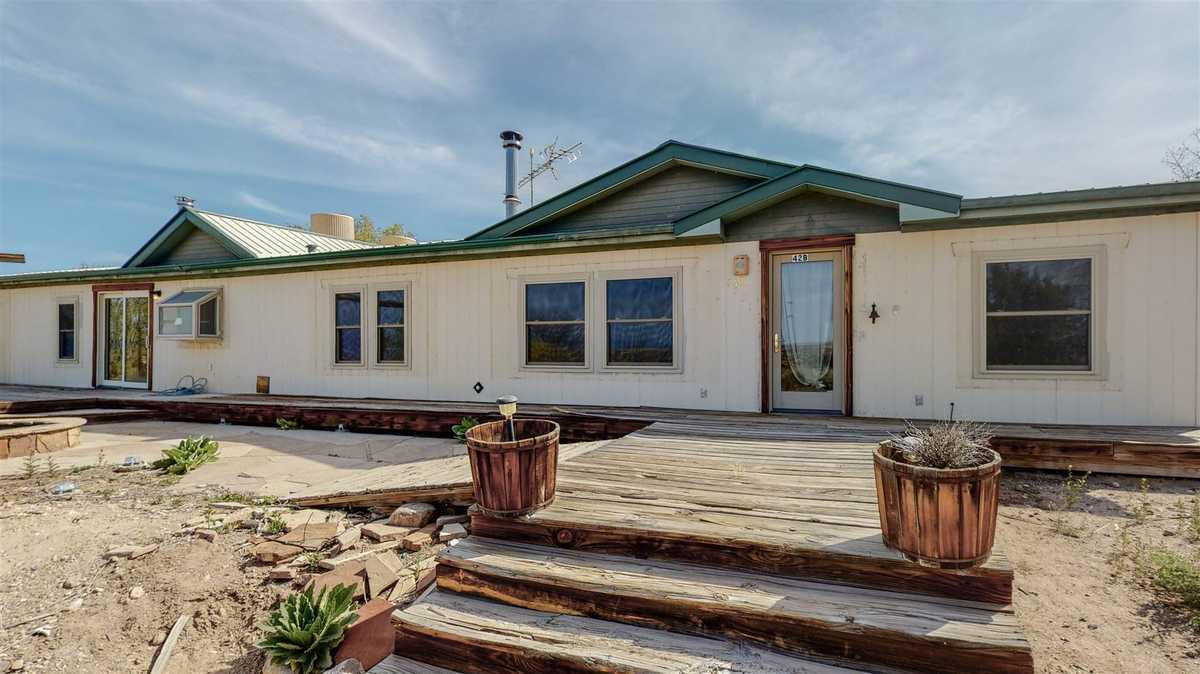 $285,000 - 3Br/2Ba -  for Sale in Santa Fe