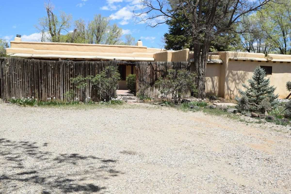 $560,000 - 3Br/2Ba -  for Sale in Taos
