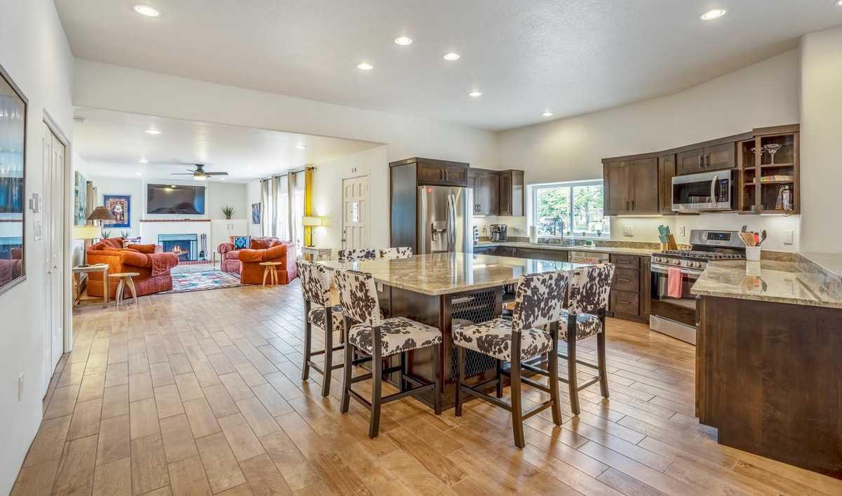 $925,000 - 3Br/3Ba -  for Sale in Santa Fe