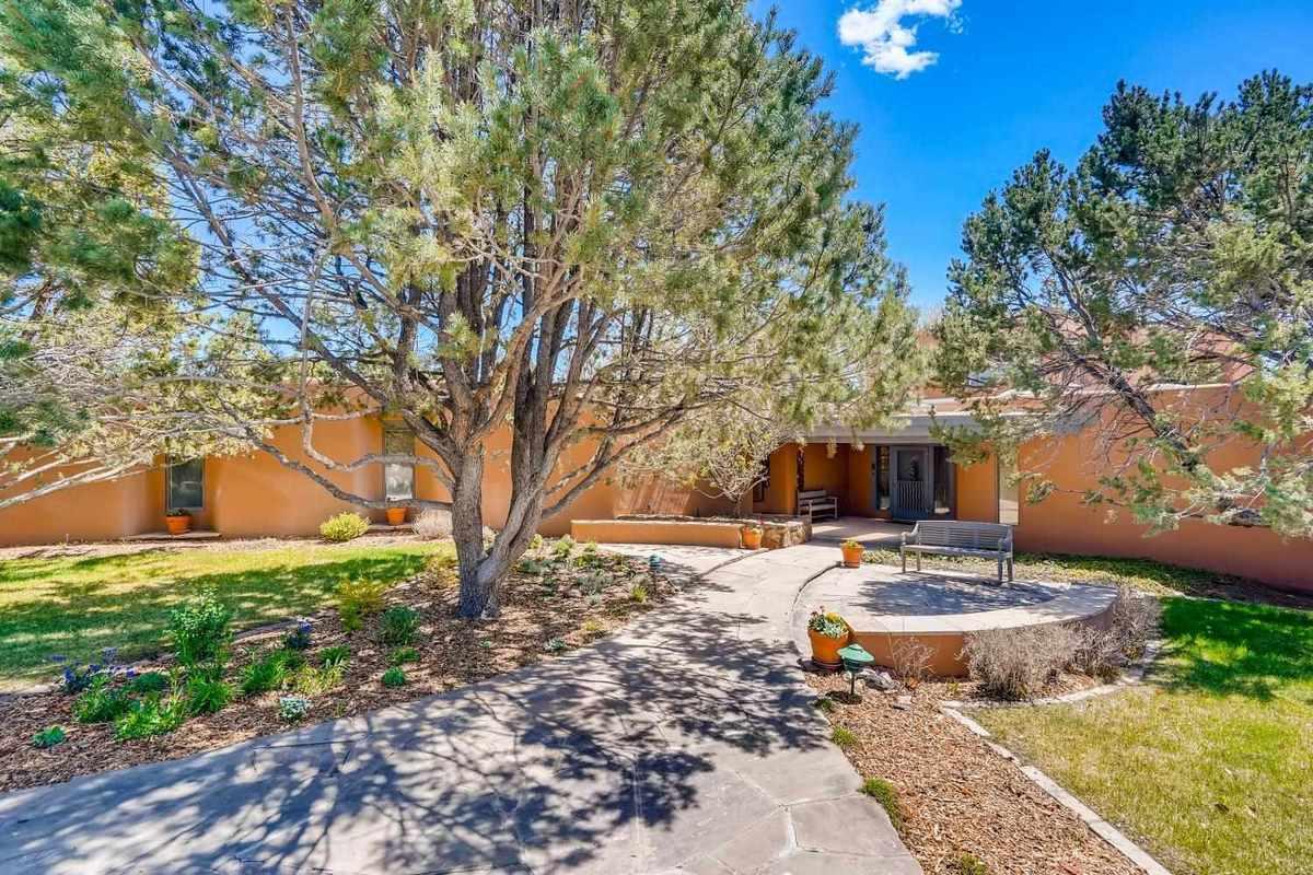$1,985,000 - 3Br/3Ba -  for Sale in Santa Fe