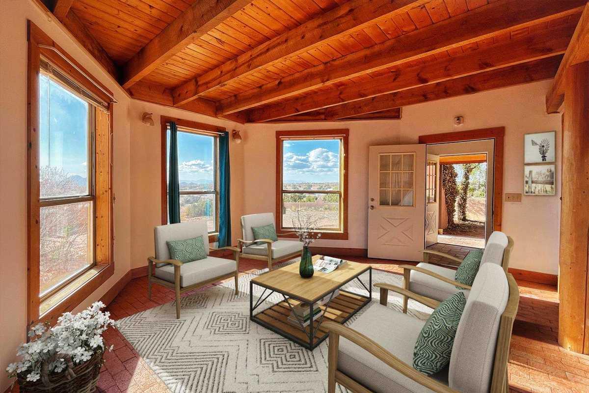 $450,000 - 5Br/3Ba -  for Sale in Santa Fe