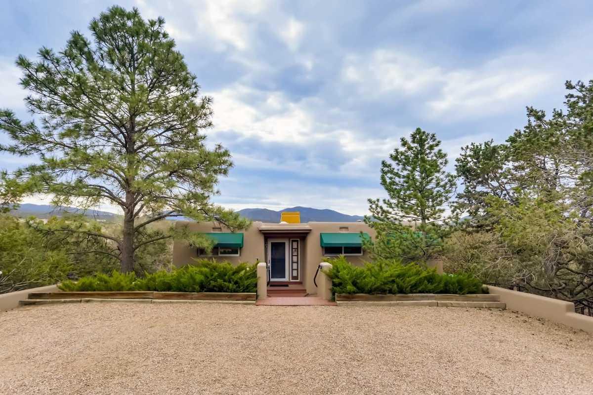 $929,000 - 4Br/3Ba -  for Sale in La Cuma Addn, Santa Fe