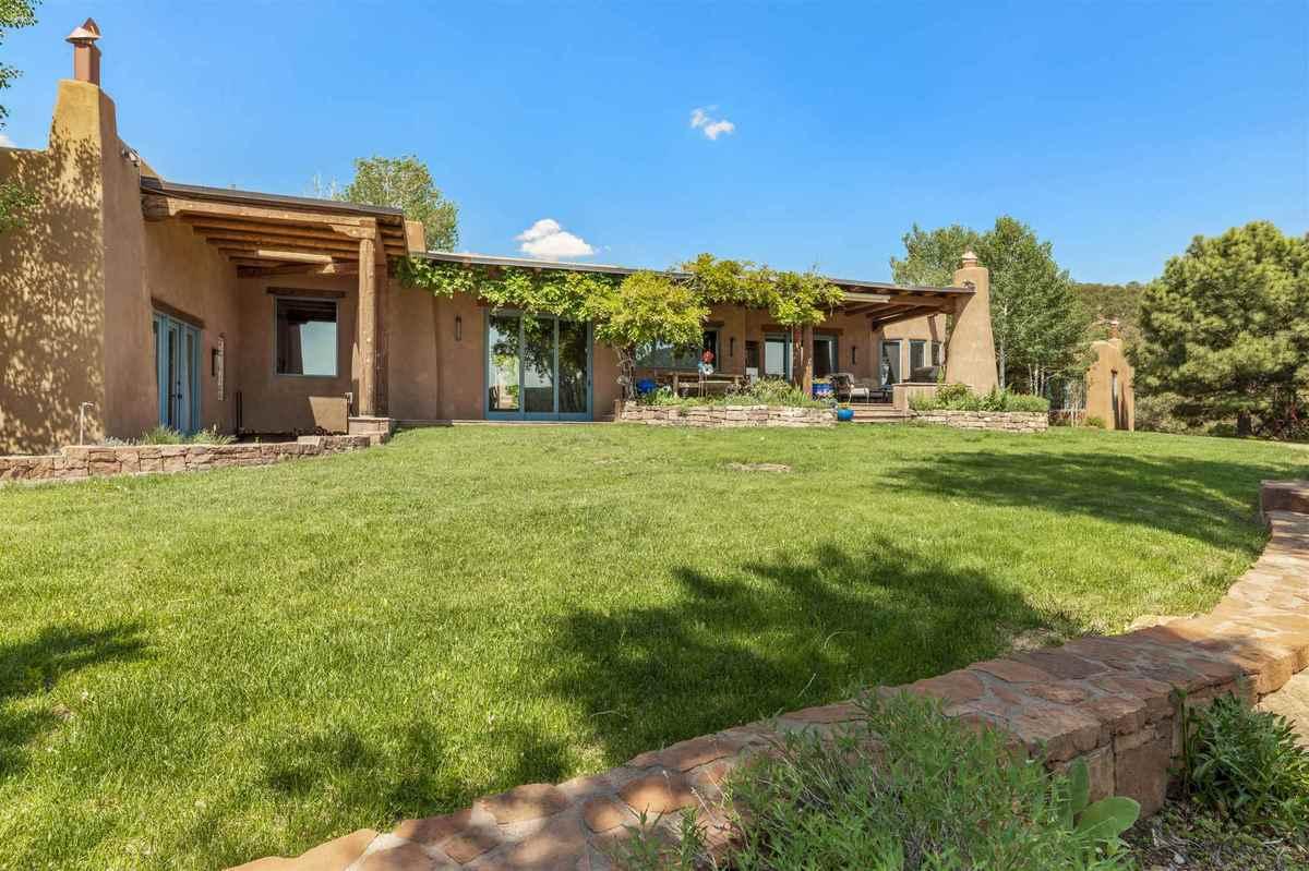 $4,395,000 - 6Br/8Ba -  for Sale in Santa Fe
