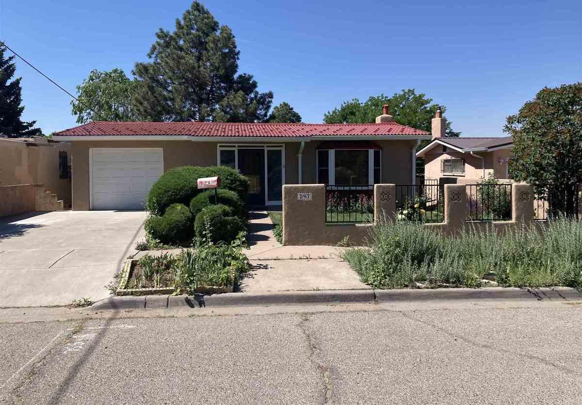 $693,000 - 4Br/3Ba -  for Sale in Linda Vista Add, Santa Fe
