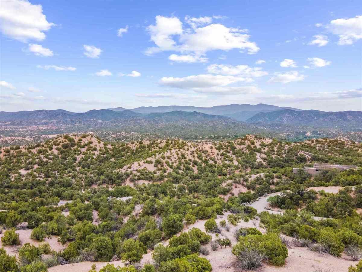 $350,000 - Br/Ba -  for Sale in San Ysidro De T, Santa Fe
