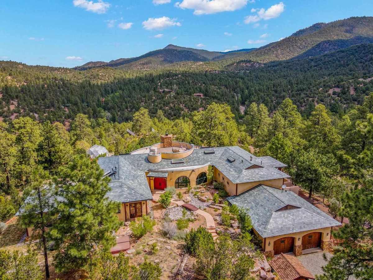 $2,285,000 - 3Br/5Ba -  for Sale in Santa Fe