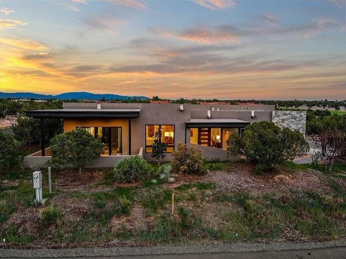 $1,115,000 - 3Br/3Ba -  for Sale in Las Campanas, Santa Fe