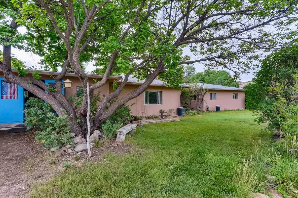 $575,000 - 4Br/3Ba -  for Sale in Santa Fe