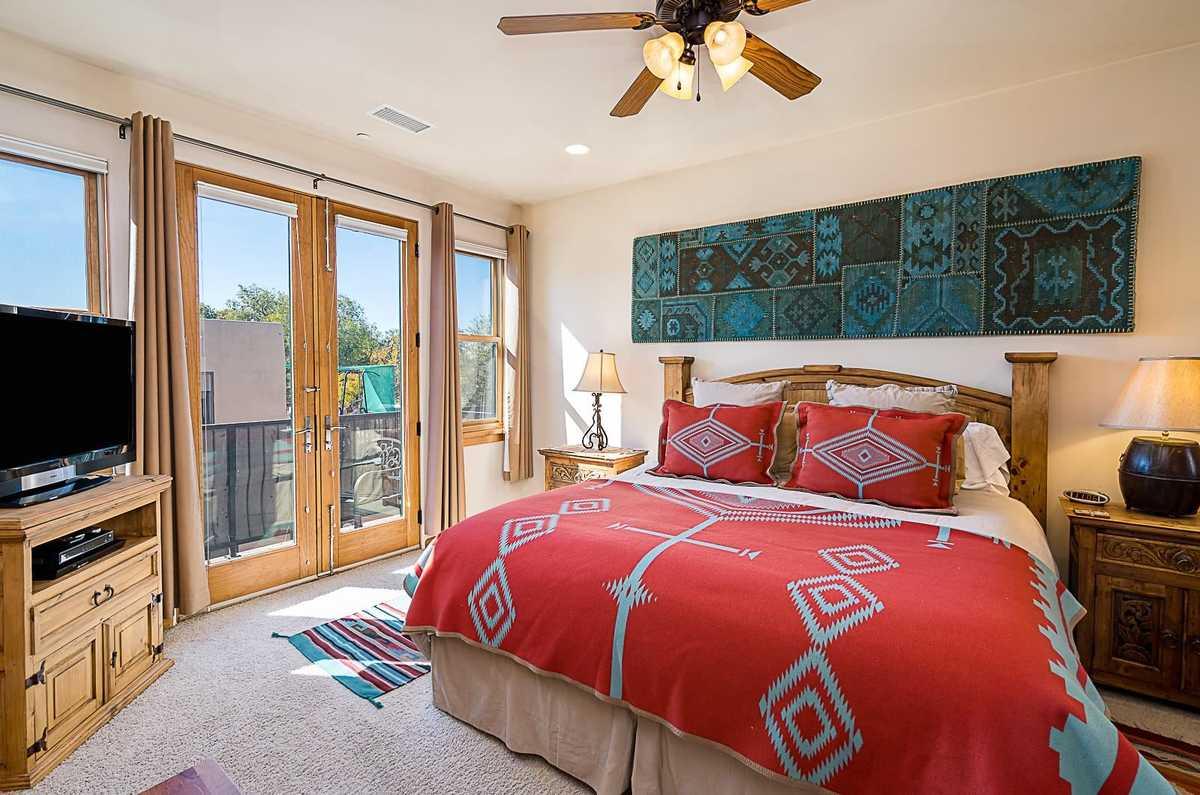 $595,000 - 2Br/3Ba -  for Sale in Santa Fe