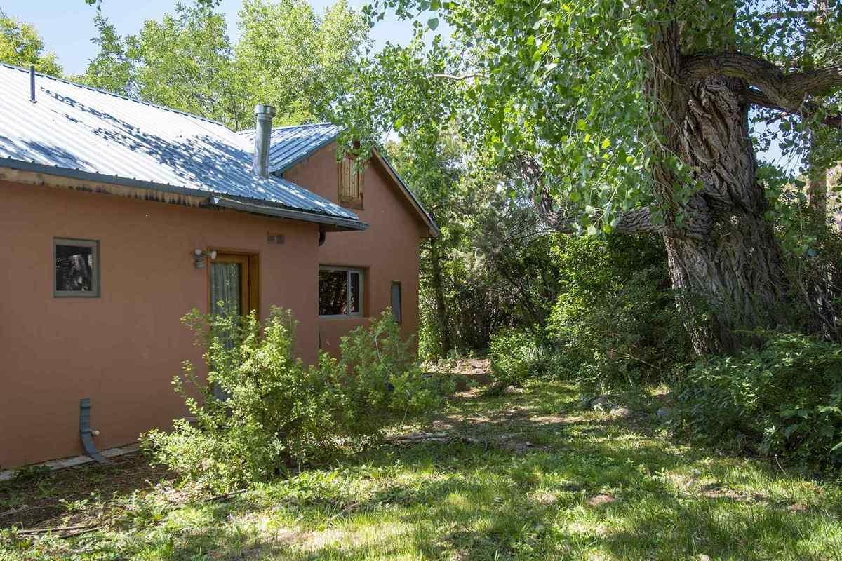 $1,095,000 - 5Br/4Ba -  for Sale in Santa Fe