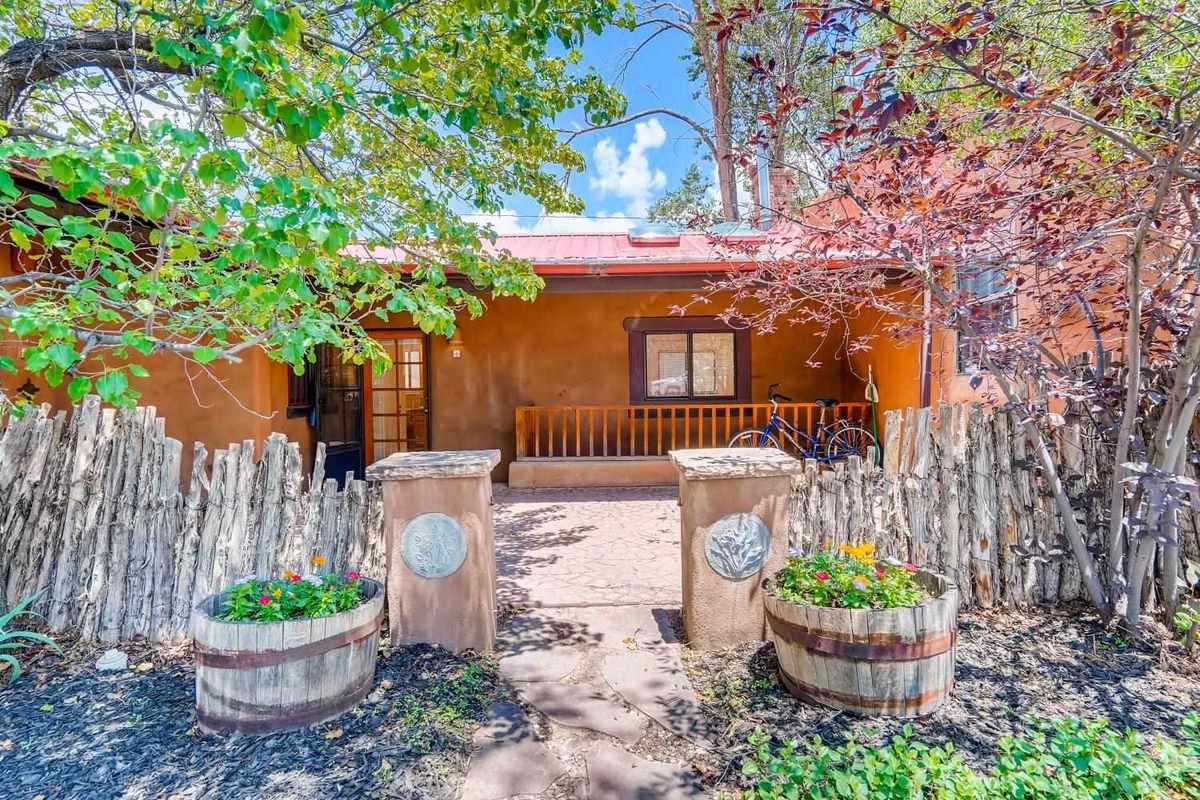 $330,000 - 1Br/1Ba -  for Sale in Closson Comp, Santa Fe