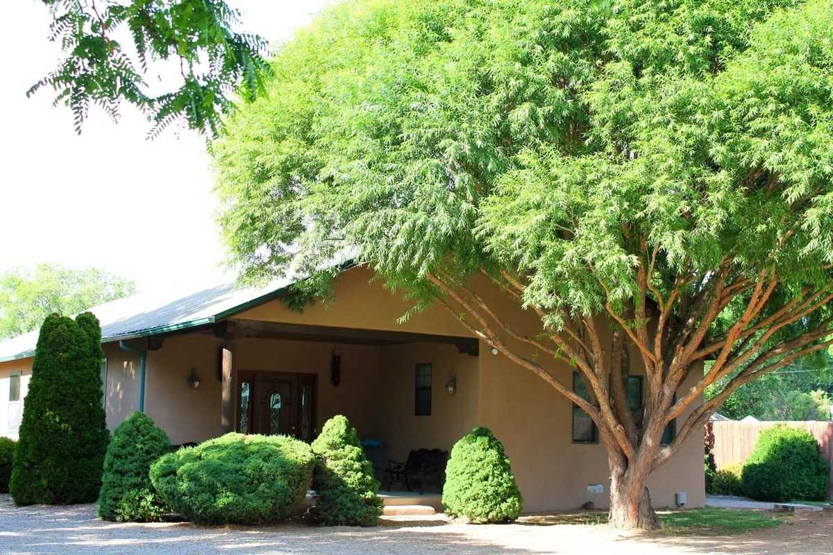 $334,500 - 3Br/2Ba -  for Sale in Espanola