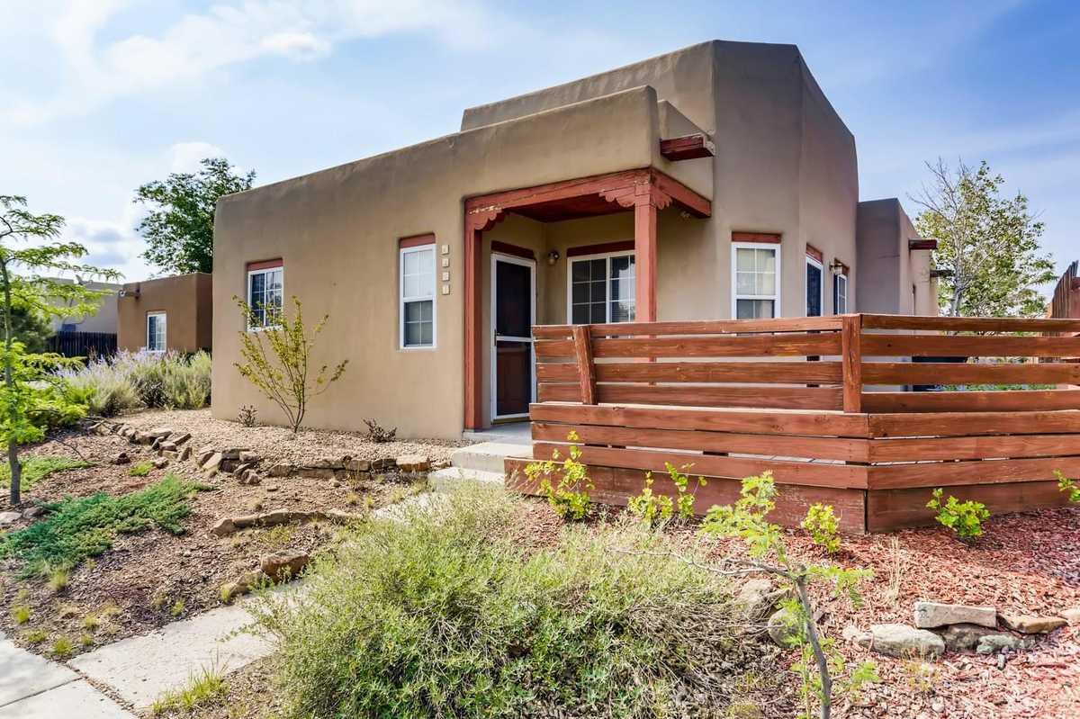 $325,000 - 3Br/2Ba -  for Sale in Tierra Contenta, Santa Fe