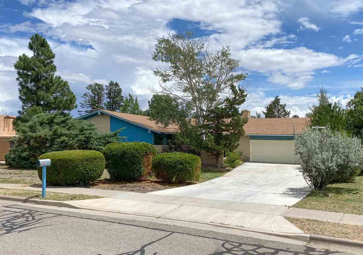 $500,000 - 4Br/2Ba -  for Sale in Los Alamos