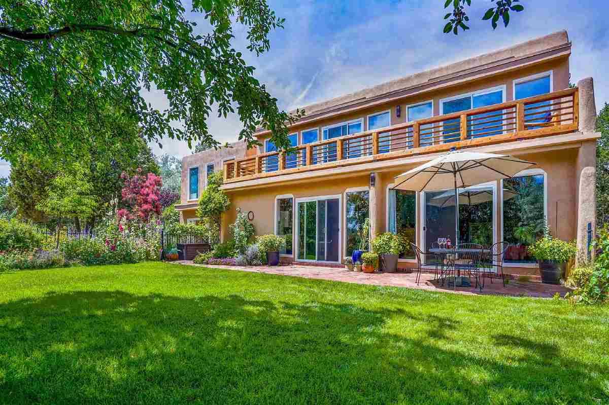 $750,000 - 2Br/3Ba -  for Sale in Sunlit Hills, Santa Fe