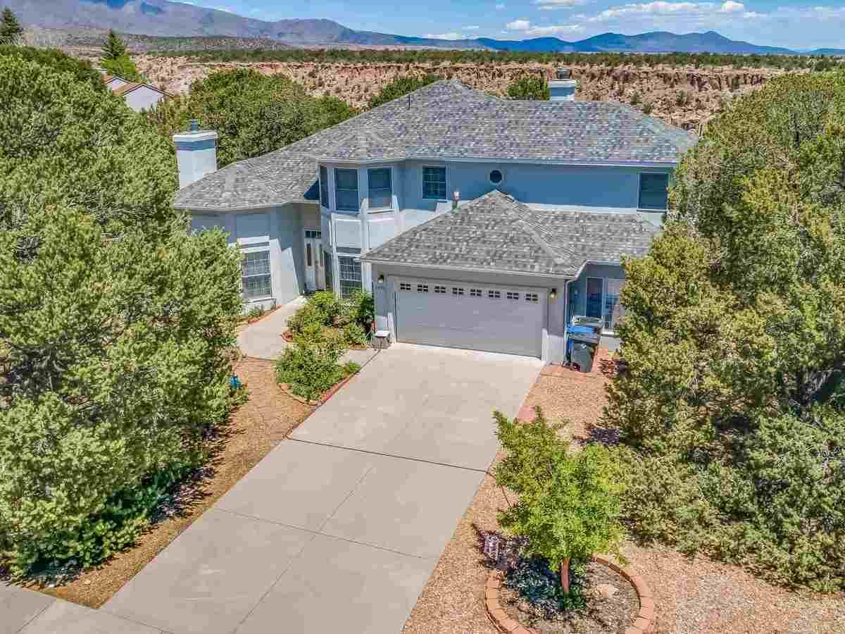 $775,000 - 4Br/3Ba -  for Sale in Los Alamos